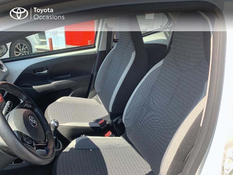 Toyota Aygo 1.0 VVT-i 72ch x-play x-app 5p MC18 Blanc occasion à CASTRES - photo n°11
