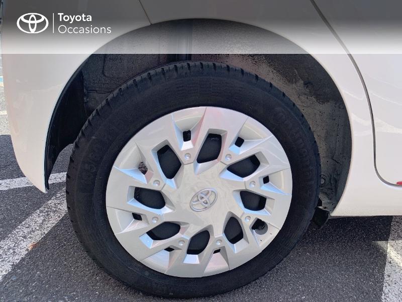 Toyota Aygo 1.0 VVT-i 72ch x-play x-app 5p MC18 Blanc occasion à CASTRES - photo n°16