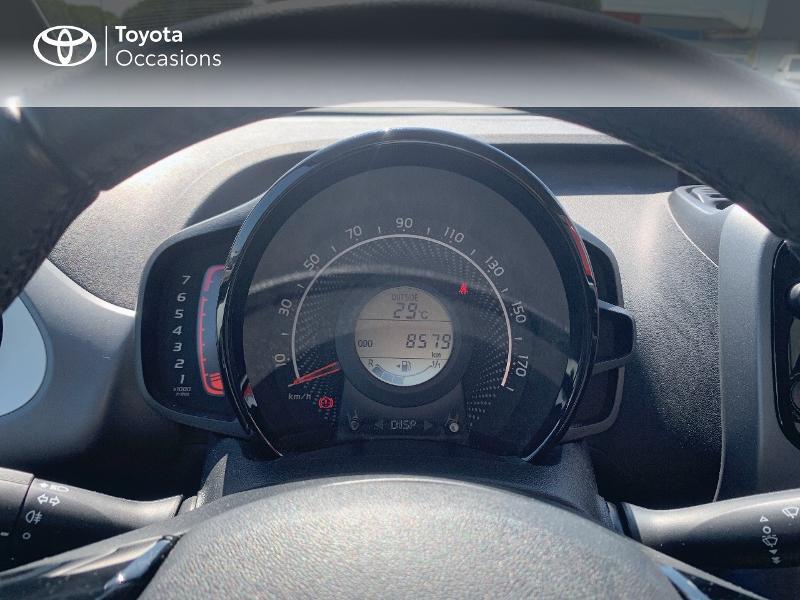 Toyota Aygo 1.0 VVT-i 72ch x-play x-app 5p MC18 Blanc occasion à CASTRES - photo n°14