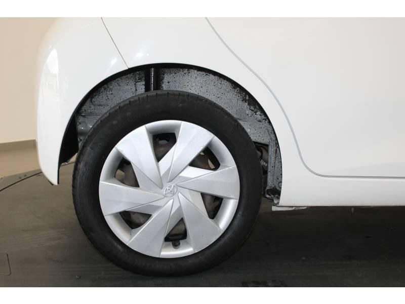 Toyota Aygo 1.0 VVT-i x-play Blanc occasion à Lons - photo n°7