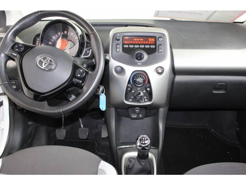 Toyota Aygo 1.0 VVT-i x-play Blanc occasion à Montauban - photo n°11