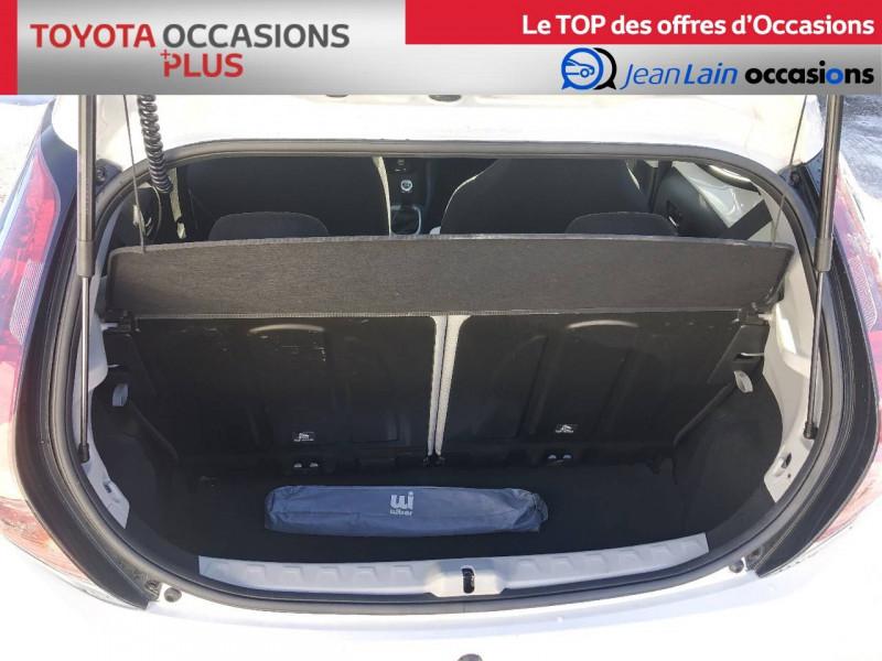 Toyota Aygo Aygo 1.0 VVT-i x-play 5p Blanc occasion à Tournon - photo n°10