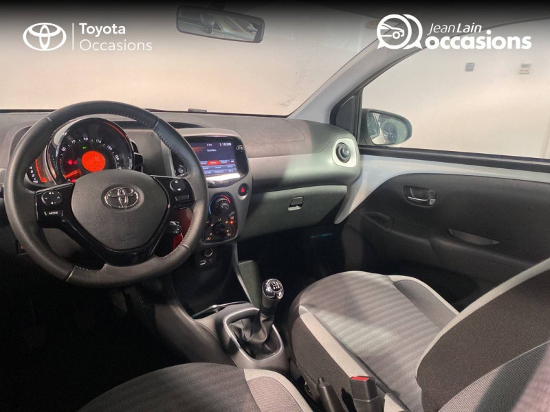 Toyota Aygo Aygo 1.0 VVT-i x-play 5p Blanc occasion à Seynod - photo n°18