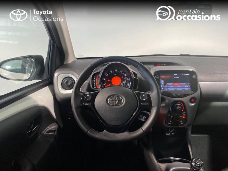 Toyota Aygo Aygo 1.0 VVT-i x-play 5p Blanc occasion à Seynod - photo n°11