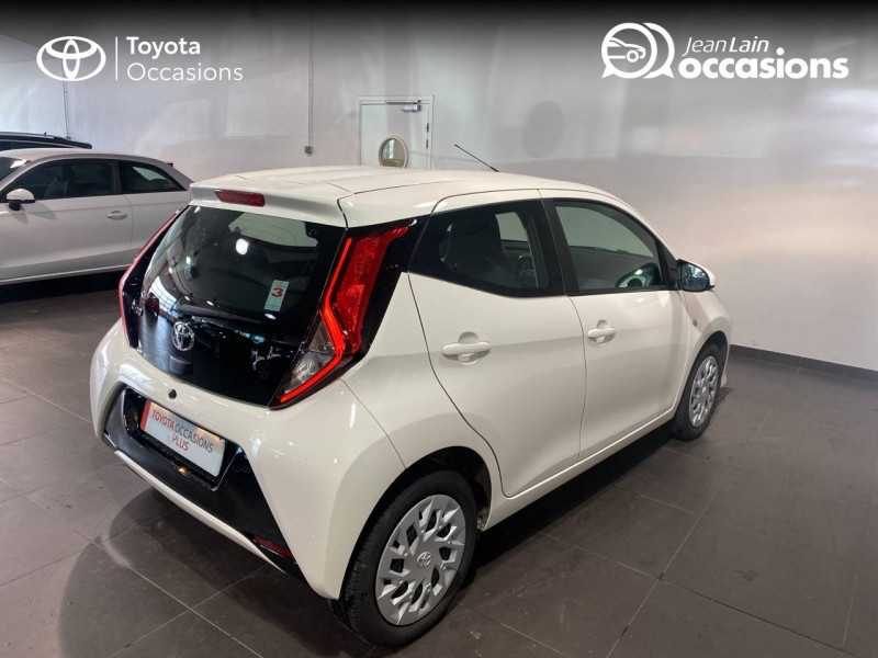 Toyota Aygo Aygo 1.0 VVT-i x-play 5p Blanc occasion à Seynod - photo n°5
