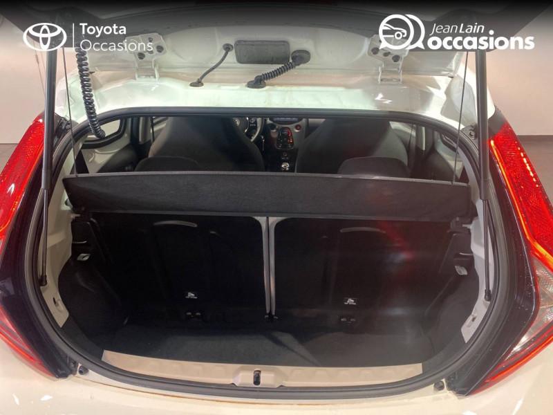 Toyota Aygo Aygo 1.0 VVT-i x-play 5p Blanc occasion à Seynod - photo n°10