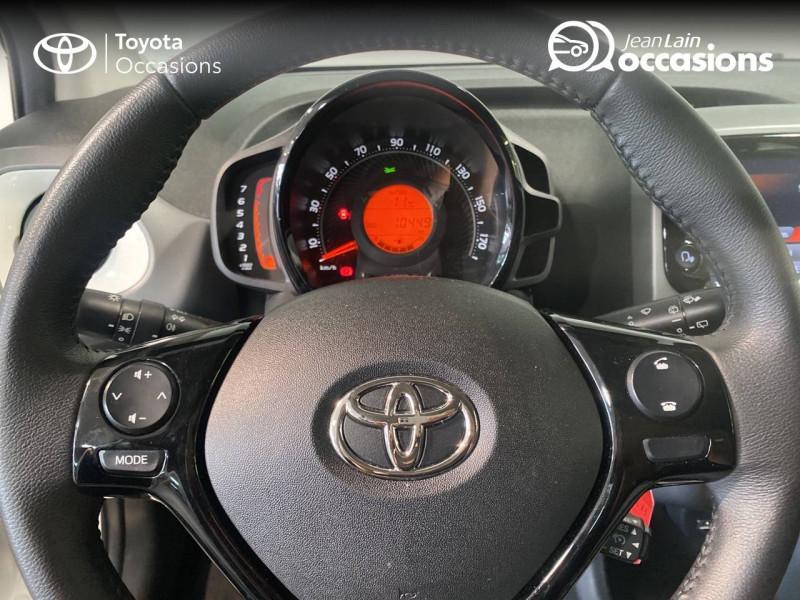Toyota Aygo Aygo 1.0 VVT-i x-play 5p Blanc occasion à Seynod - photo n°12