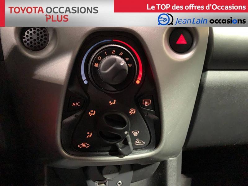 Toyota Aygo Aygo 1.0 x-play 5p Blanc occasion à Seynod - photo n°14