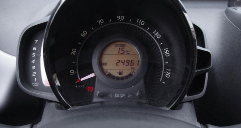 Toyota Aygo II (2) 1.0 VVT-I X-PLAY Gris occasion à Chambourcy - photo n°5