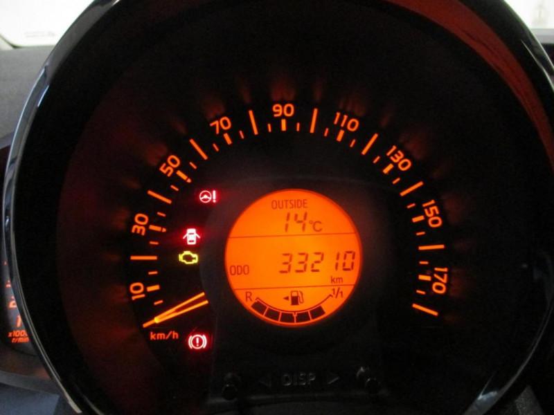 Toyota Aygo II 1.0 VVT-i x-play Blanc occasion à CHERBOURG-EN-COTENTIN - photo n°12