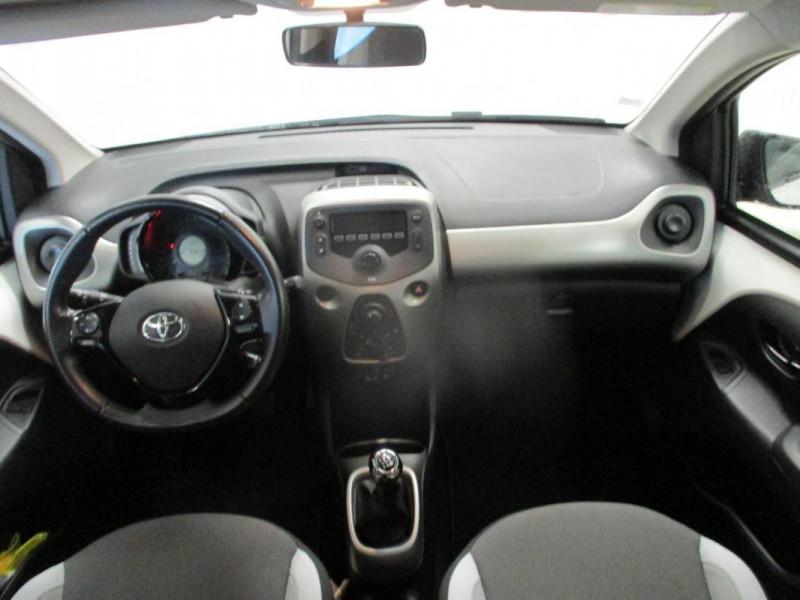 Toyota Aygo II 1.0 VVT-i x-play Blanc occasion à CHERBOURG-EN-COTENTIN - photo n°7