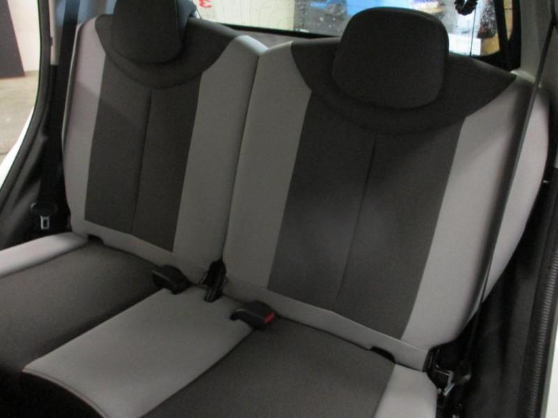 Toyota Aygo II 1.0 VVT-i x-play Blanc occasion à CHERBOURG-EN-COTENTIN - photo n°9
