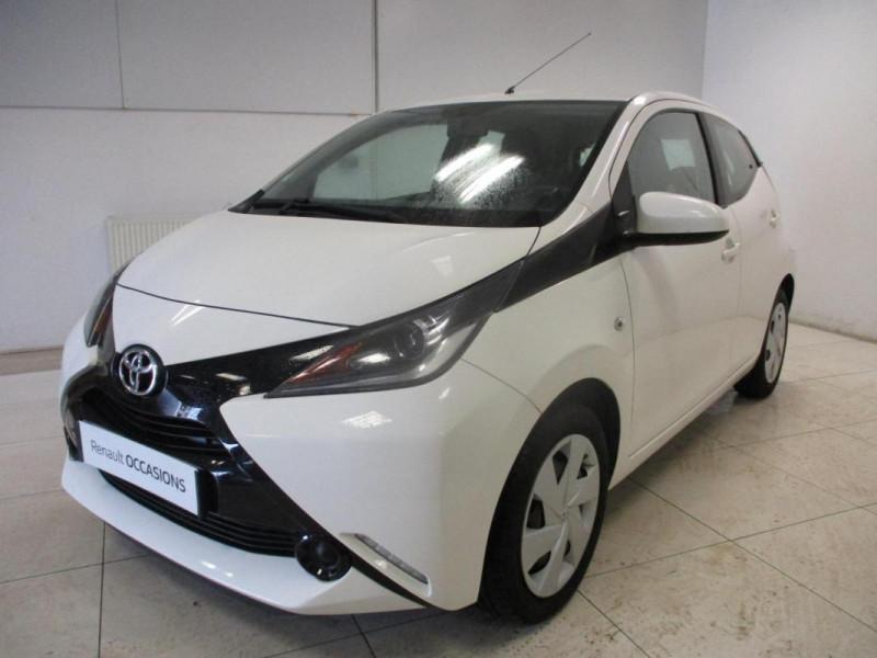 Toyota Aygo II 1.0 VVT-i x-play Blanc occasion à CHERBOURG-EN-COTENTIN