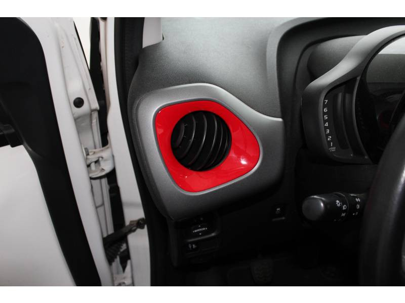 Toyota Aygo MC18 1.0 VVT-i x-play Blanc occasion à Toulouse - photo n°7