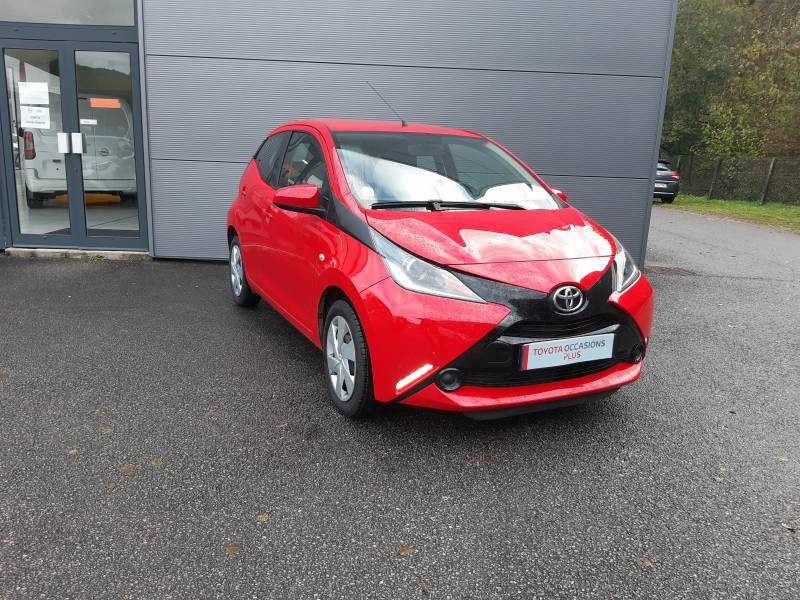 Toyota Aygo MC18 1.0 VVT-i x-play Rouge occasion à Tulle