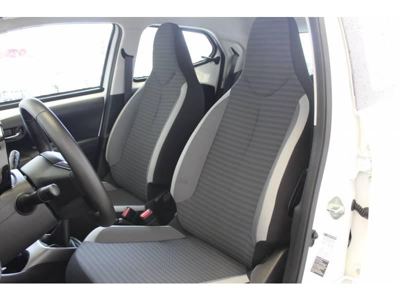 Toyota Aygo MC18 1.0 VVT-i x-play Blanc occasion à Montauban - photo n°5