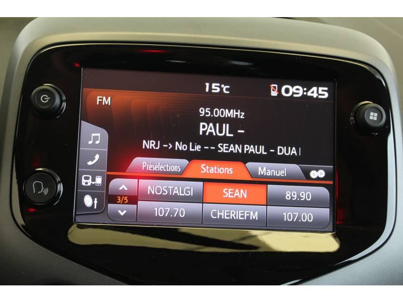 Toyota Aygo MC18 1.0 VVT-i x-play Blanc occasion à Montauban - photo n°14