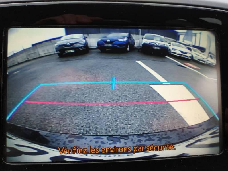 Toyota Aygo PRO MC18 1.0 VVT-i x-play Blanc occasion à VANNES - photo n°10