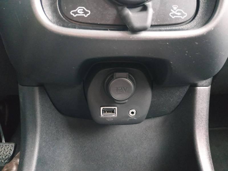 Toyota Aygo PRO MC18 1.0 VVT-i x-play Blanc occasion à VANNES - photo n°12