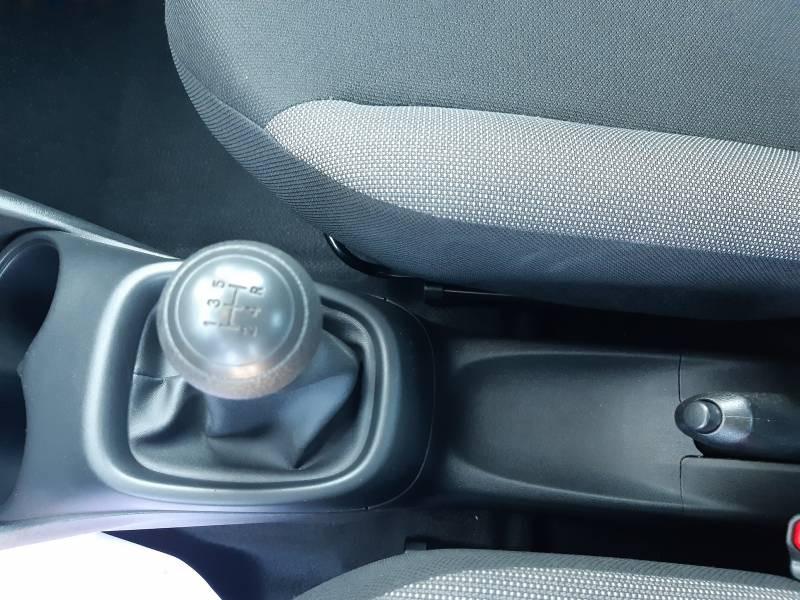 Toyota Aygo PRO MC18 1.0 VVT-i x Blanc occasion à Brive-la-Gaillarde - photo n°13