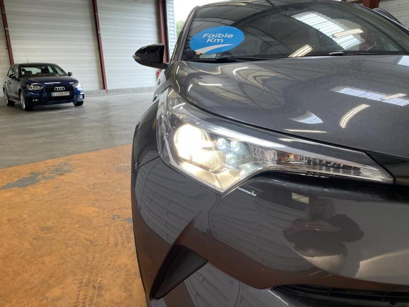 Toyota C-HR 1.8 Hybrid 122 H CVT  Dynamic Business Gris occasion à Lormont - photo n°19