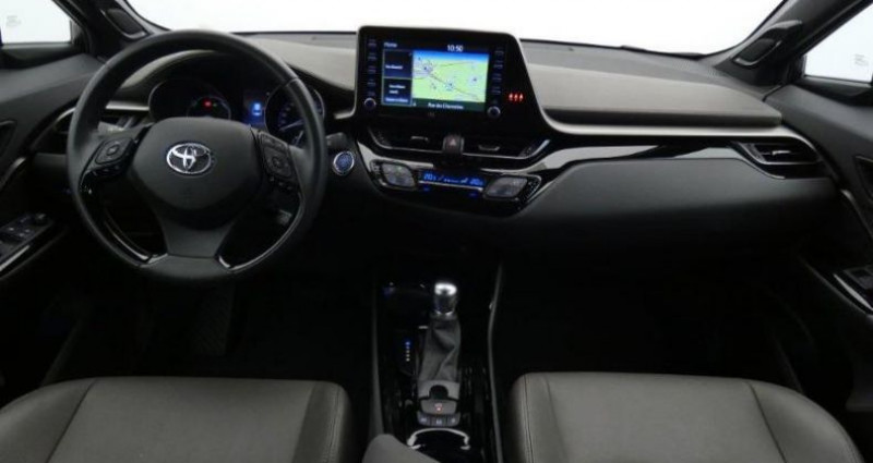 Toyota C-HR 122h Distinctive 2WD E-CVT MC19 Gris occasion à Mouilleron Le Captif - photo n°4