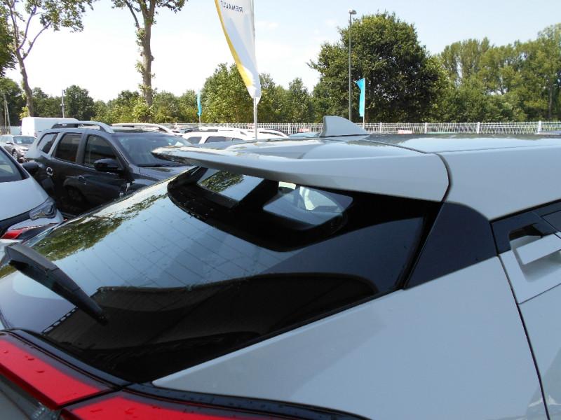 Toyota C-HR 122h Dynamic Blanc occasion à Bessières - photo n°4