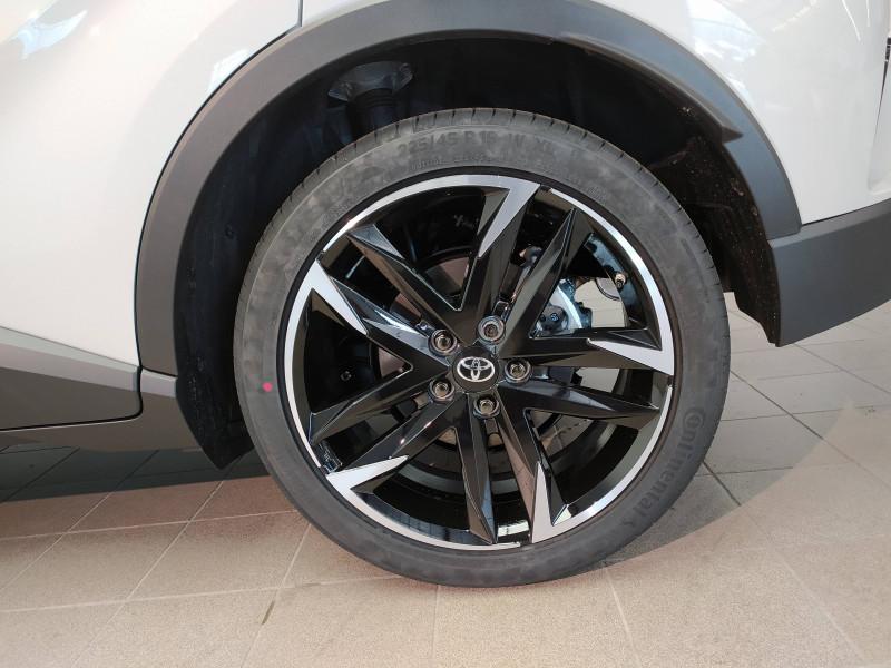 Toyota C-HR C-HR Hybride 2.0L GR-Sport 5p Gris occasion à Saint-Laurent-des-Vignes - photo n°4