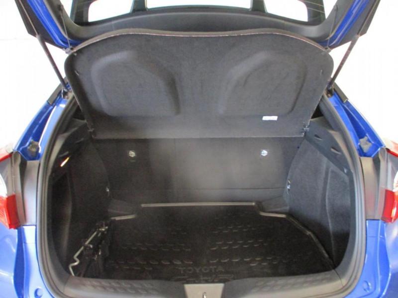 Toyota C-HR HYBRIDE 122h Dynamic Bleu occasion à CHERBOURG-EN-COTENTIN - photo n°10