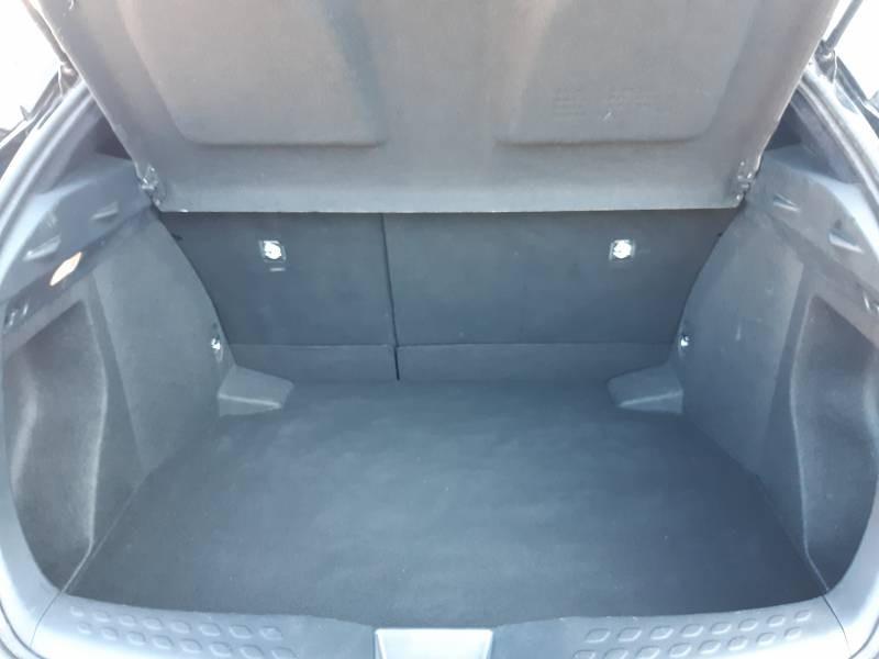 Toyota C-HR HYBRIDE RC18 122h Edition Noir occasion à Brive-la-Gaillarde - photo n°4