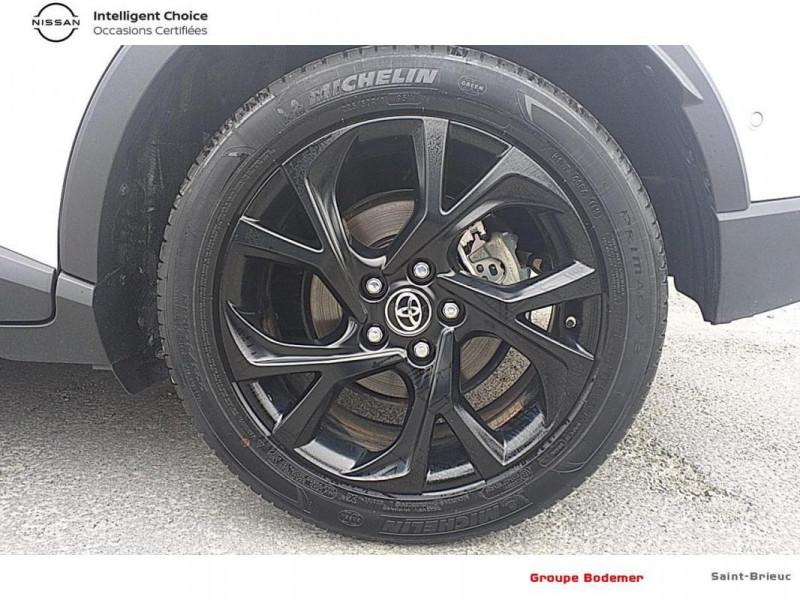 Toyota C-HR HYBRIDE RC18 122h Graphic Blanc occasion à SAINT-BRIEUC - photo n°15