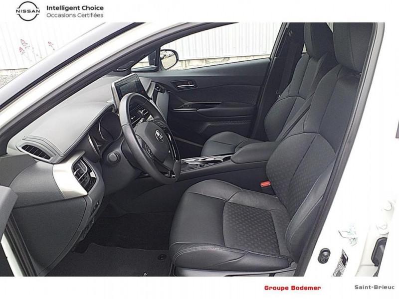 Toyota C-HR HYBRIDE RC18 122h Graphic Blanc occasion à SAINT-BRIEUC - photo n°11