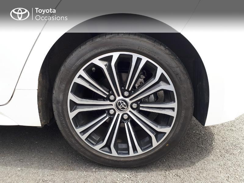 Toyota Corolla 122h Design Blanc occasion à Saint-Jouan-des-Guérets - photo n°4