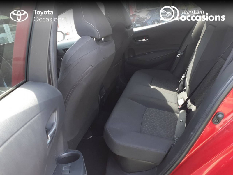Toyota Corolla Corolla Hybride 122h Design 5p Rouge occasion à Seynod - photo n°17