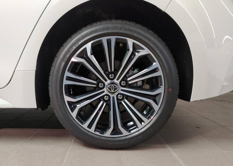 Toyota Corolla Corolla Hybride 122h Design 5p Blanc occasion à PERIGUEUX - photo n°4