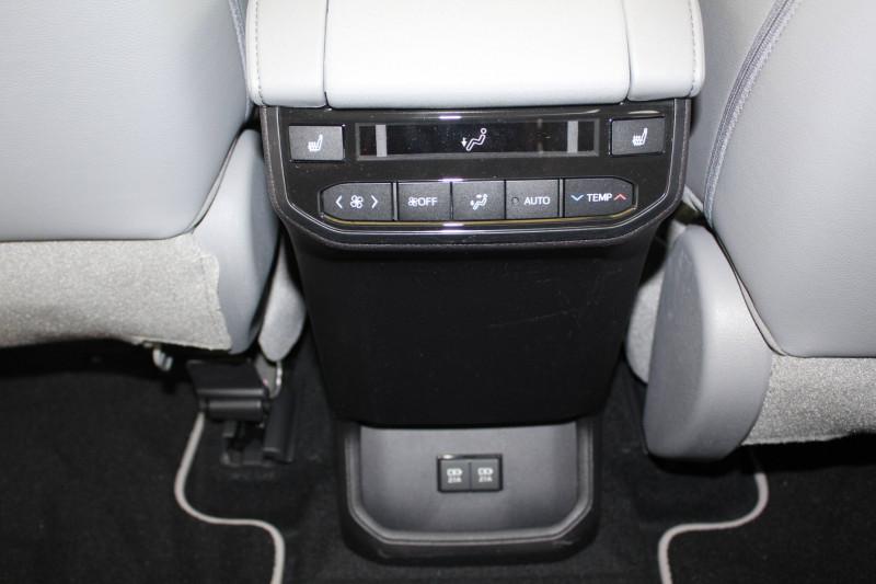 Toyota Highlander Highlander Hybride 248 ch AWD-i Lounge 5p Bleu occasion à Montauban - photo n°7