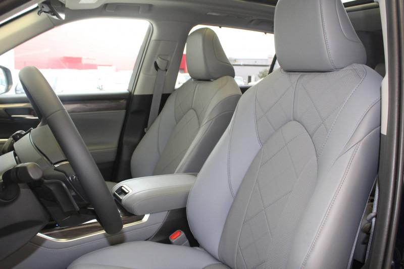 Toyota Highlander Highlander Hybride 248 ch AWD-i Lounge 5p Bleu occasion à Montauban - photo n°9