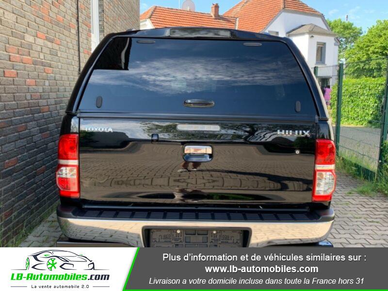Toyota Hilux D-4D Double Cab 171 4WD BVA Noir occasion à Beaupuy - photo n°9