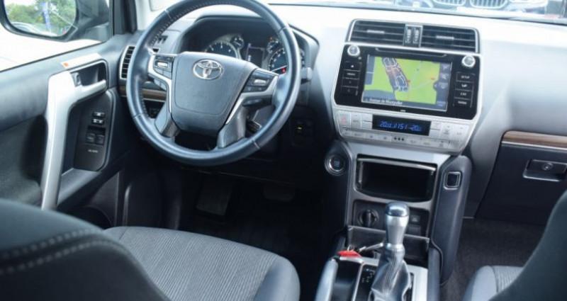 Toyota Land Cruiser 177 D-4D LEGENDE BVA 3P RC18 tva récupérable Noir occasion à VENDARGUES - photo n°3