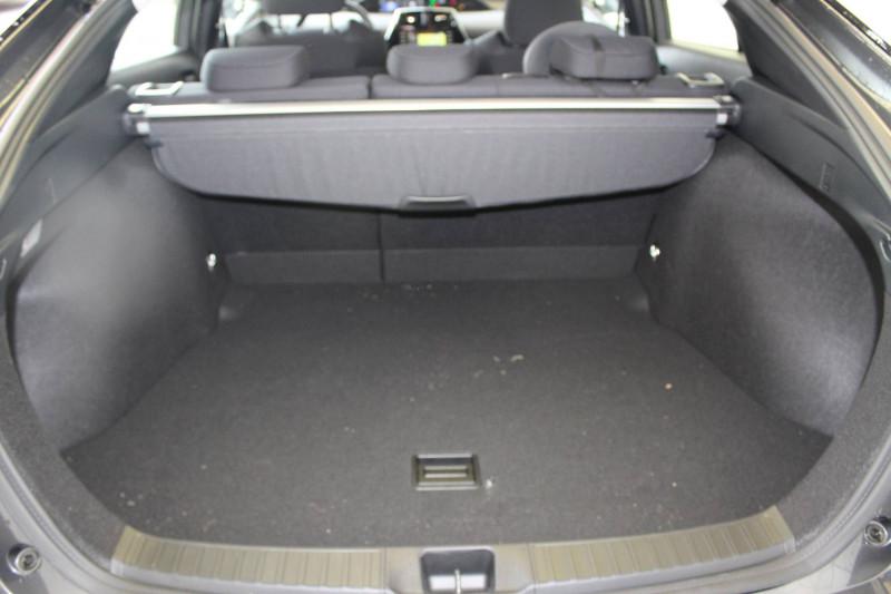 Toyota Prius Prius Hybride Dynamic Pack Premium 5p Gris occasion à Montauban - photo n°3