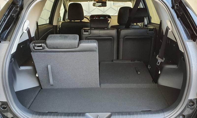 Toyota Prius Prius+ Pro 136h Dynamic Business 5p Noir occasion à Montauban - photo n°7