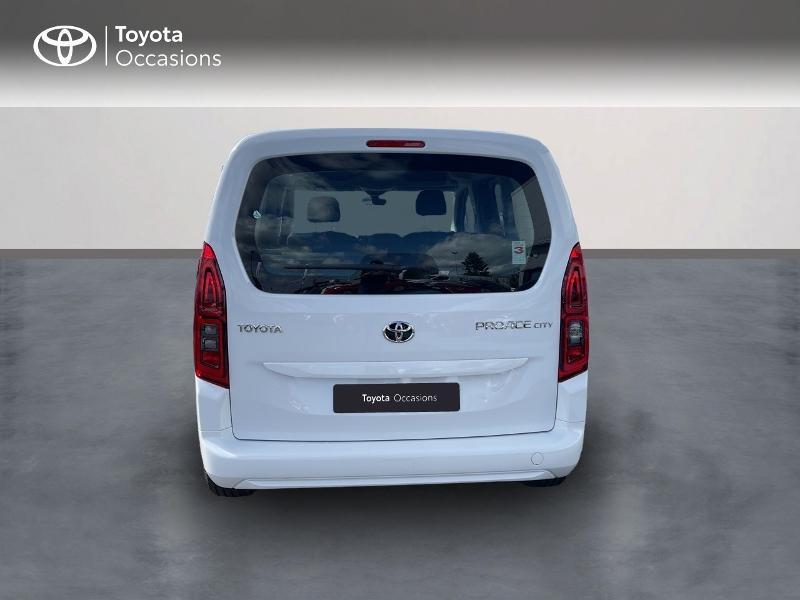 Toyota Proace Medium 1.2 110 VVT-i Dynamic RC21 Blanc occasion à VANNES - photo n°4
