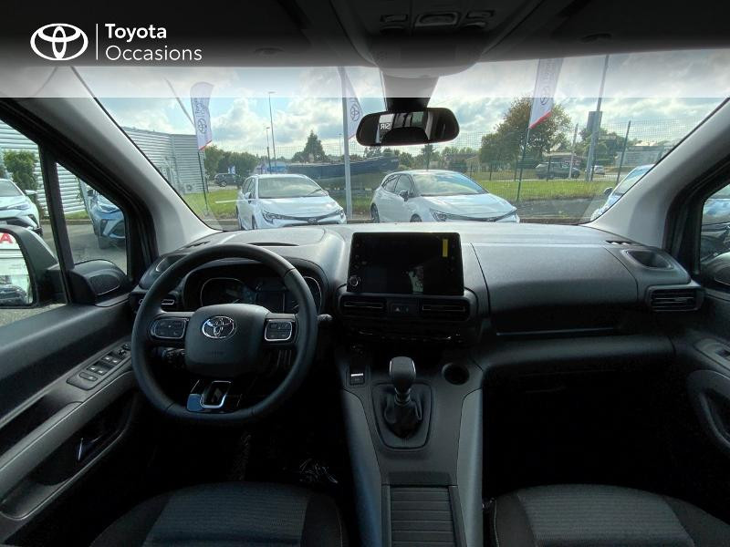 Toyota Proace Medium 1.5 100 D-4D Executive RC21 Gris occasion à Pluneret - photo n°8