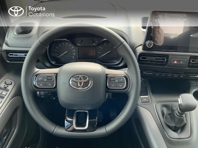 Toyota Proace Medium 1.5 100 D-4D Executive RC21 Gris occasion à Pluneret - photo n°9