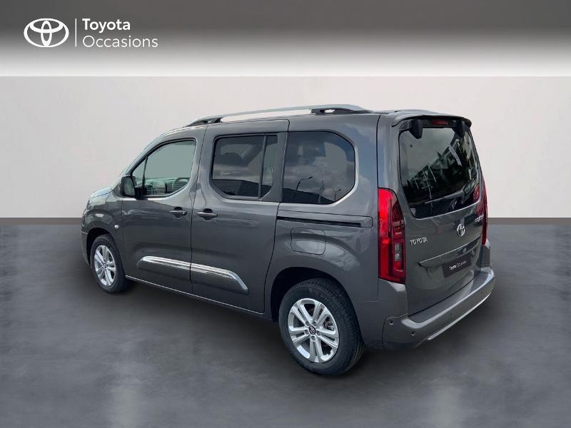 Toyota Proace Medium 1.5 100 D-4D Executive RC21 Gris occasion à Pluneret - photo n°2