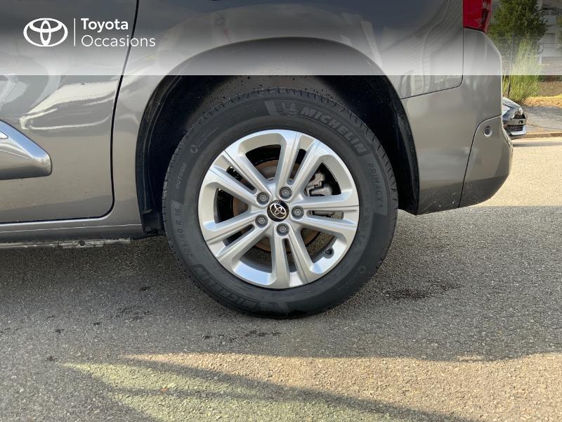 Toyota Proace Medium 1.5 100 D-4D Executive RC21 Gris occasion à Pluneret - photo n°16