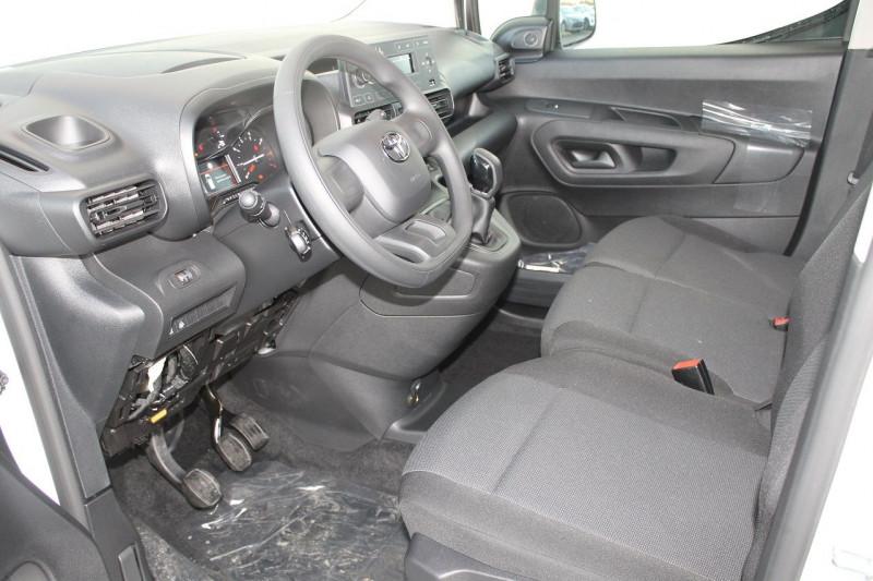 Toyota Proace MEDIUM 100 D-4D DYNAMIC Blanc occasion à Saint-Saturnin - photo n°9