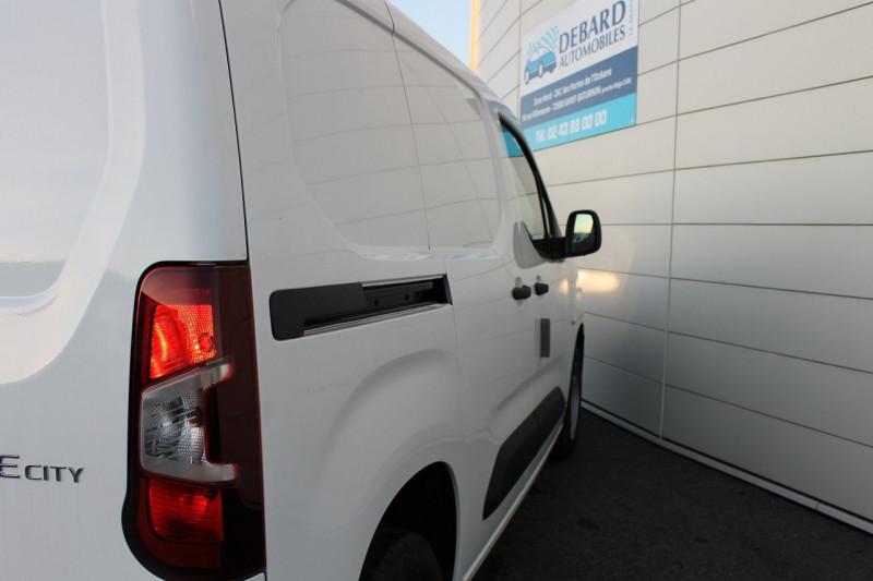 Toyota Proace MEDIUM 100 D-4D DYNAMIC Blanc occasion à Saint-Saturnin - photo n°6
