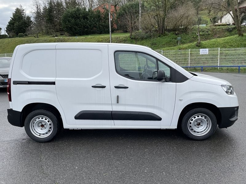 Toyota Proace MEDIUM 100 D-4D DYNAMIC Blanc occasion à Albi - photo n°2