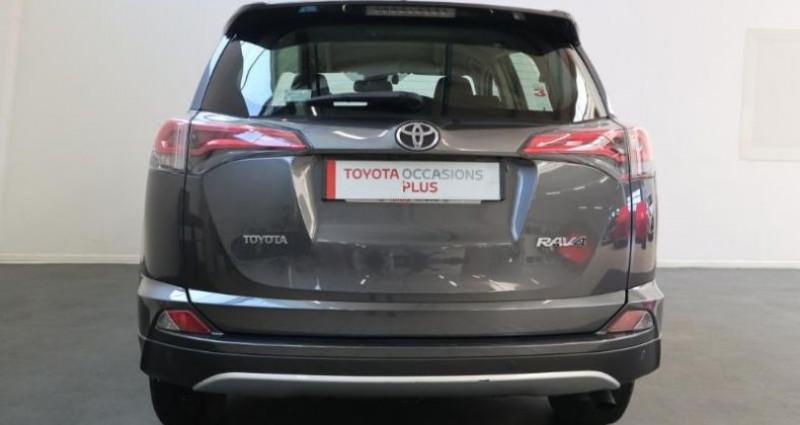 Toyota RAV 4 143 D-4D Dynamic 2WD Gris occasion à Royan - photo n°6